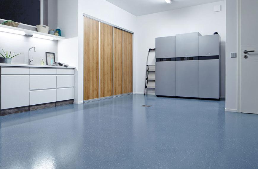 Raum mit grauem Boden
